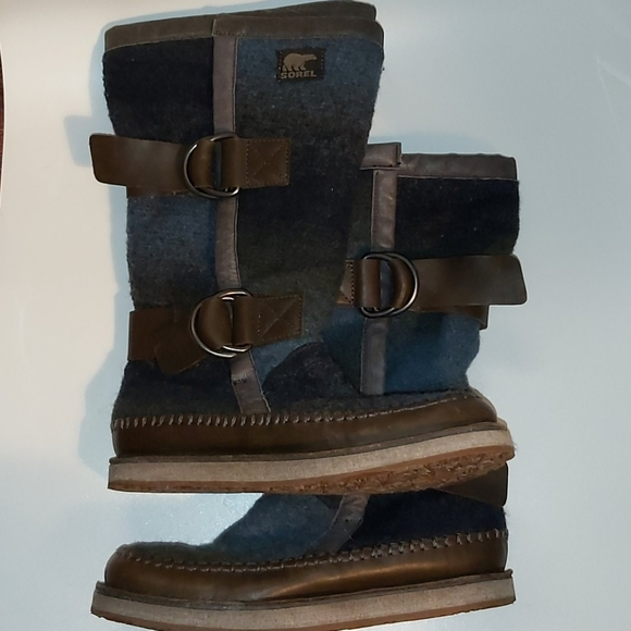 Sorel Chipahko Blanket Boots
